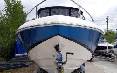 Oklejenie jachtu Regal 2250