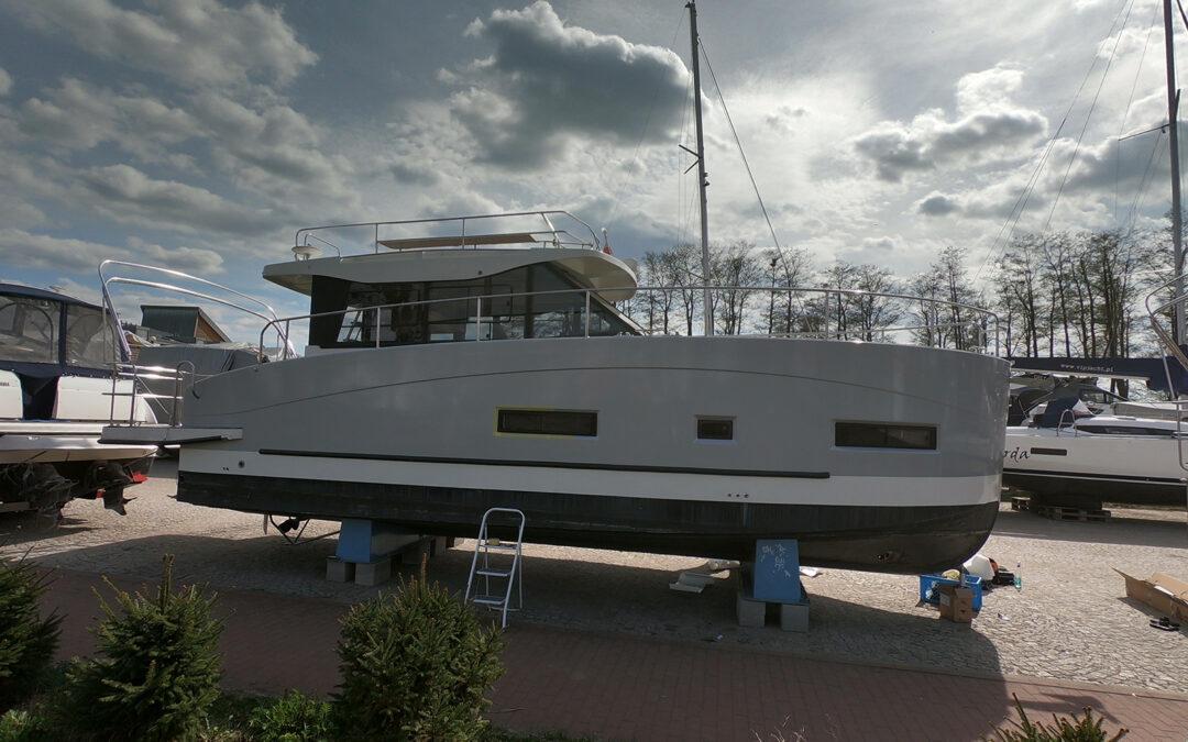 Oklejenie łodzi Futura 36